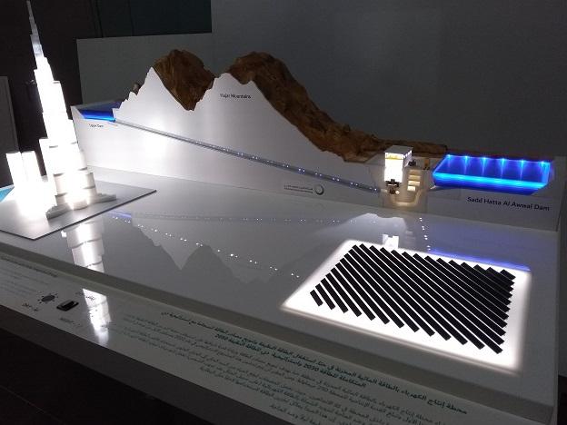 maquette edf dewa photovoltaque barrage