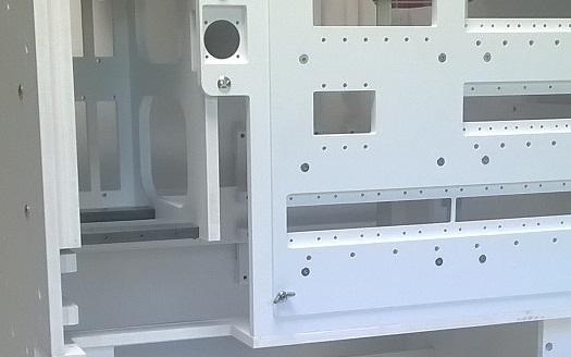 Maquettage pour passage de câbles et équipement spécifique